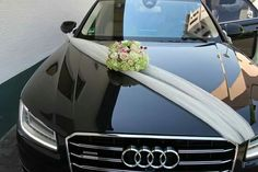 Discover thousands of images about wedding car decoration Flower Wall Wedding, Diy Wedding, Dream Wedding, Twilight Wedding Dresses, Reception Activities, Just Married Car, Bridal Car, Wedding Car Decorations, Wedding Arrangements