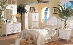 Many people choose white wicker bedroom furniture for little girls. white wicker bedroom furniture is most at home in a tropical setting. Bedroom Themes, Bedroom Styles, Bedroom Decor, Bedroom Beach, Bedroom Designs, Bedroom Linens, Bedroom Chair, White Bedroom Set, Bedroom Sets