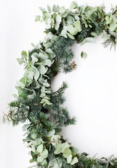 With Christmas just over a week away we wanted to share a few of our favourite festive images to get you in the Christmas spirit. Merry Christmas, enjoy x Image 1 Natural Christmas, Noel Christmas, Green Christmas, Simple Christmas, All Things Christmas, Winter Christmas, Christmas Wreaths, Christmas Crafts, Navidad Natural