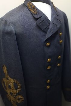 This is the coat worn by General Robert E. Lee when he surrendered at the end of the Civil War