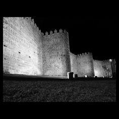 Parque de San Vicente #Ávila #Spain #estaes_avila #estaes_castillaleon #estaes_espania #photooftheday #blancoynegro #blackandwhite #picture #streetphotography #squaredroid #street #patrimonio #murallas #igers_avila #igers #avilaespaña #avilaturismo