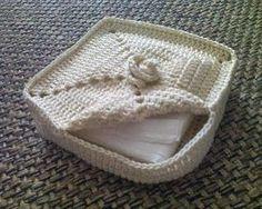 It& a matter of stitching: Napkin Holder - Porta guardanapo Crochet Bowl, Crochet Basket Pattern, Diy Crochet, Crochet Crafts, Crochet Hooks, Crochet Projects, Crochet Patterns, Crochet Baskets, Crochet Ideas