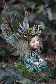 Handmade sculpture miniature fairy Elfe fairy doll by chopoli Pixie, Fairy Figurines, Fairy Art, Fairy Dolls, Fantasy Creatures, Drawing, Goblin, Faeries, Fantasy Art
