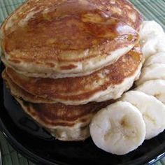 Peanut Butter Banana Pancakes This One Tastes Fantastic With Warm Maple Or Strawberry Syrup. I Freeze Leftover Pancakes And Reheat In The Toaster, Spreading Them With Strawberry Or Raspberry Jam. Peanut Butter Pancakes, Banana Pancakes, Peanut Butter Banana, Pancakes And Waffles, Banana Bread, What's For Breakfast, Breakfast Pancakes, Breakfast Dishes, Breakfast Recipes