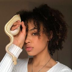 Find images and videos about girl, hair and beauty on We Heart It - the app to get lost in what you love. Pretty People, Beautiful People, Model Tips, Curly Hair Styles, Natural Hair Styles, Collateral Beauty, Rides Front, Brown Skin, Black Is Beautiful