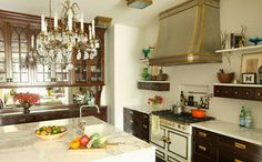La Cornue Cornufe Design Ideas Not the cabinet but the hood and range. La Cornue, Brass Kitchen, Kitchen Hoods, Eclectic Kitchen, Kitchen Interior, Wood Cabinets, Glass Cabinets, Upper Cabinets, Dark Cabinets