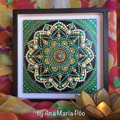 Dipinti a mano Mandala cm Mandala Canvas, Mandala Painting, Mandala Art, Stone Painting, Dot Painting Tools, Colorful Feathers, Mandalay, String Art, How To Draw Hands