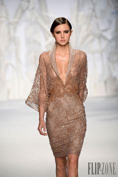 Abed Mahfouz Fall-winter 2013-2014 - Couture - http://www.flip-zone.net/fashion/couture-1/independant-designers/abed-mahfouz-4060 - ©PixelFormula