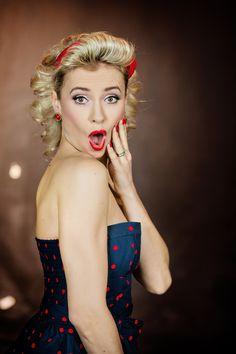 Pojďte se proměnit v Pin-up lady! Let's go to transform into Pin-up lady! Ps, Pin Up, Let It Be, Lady, Fashion, Moda, Fashion Styles, Pinup, Fashion Illustrations