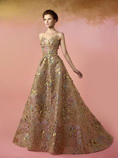 Evening Dresses, Prom Dresses, Golden Dress, Queen Costume, Fantasy Dress, Types Of Dresses, Beautiful Gowns, Couture Fashion, Pretty Dresses