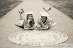 Two friends in cap and gown at the seal Grad Pics, Graduation Pictures, Senior Pics, Senior Pictures, Graduation Portraits, Graduation Photoshoot, Graduation Caps, High School Graduation, Picture Ideas