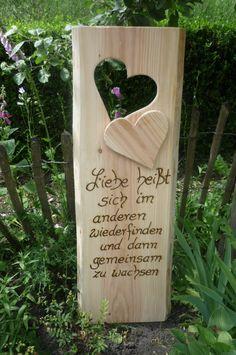 """Ein sehr schönes Geschenk..""""Zitat""""...passend zur Hochzeit...Hölzerne Hochzeit...oder zur Verlobung. Den Spruch habe ich sehr tief ins Holz eingebrannt Dieses rustikale Holzschild hat eine Höhe..."""
