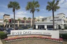 Stroll Down Bridal Avenue at River Oaks Shopping Center #HoustonTidbits