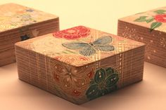 Artist:中村祐子(Yuko Nakamura) 作品名:香合「花」 動画 vimeo.com/95088832 こちらは、中村さんの香合の作品です。今回の展覧会のために特別に仕上げて頂いた作品です。雪、月、花の3種類があります。その「花」の作品です。
