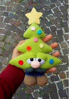 Вязанные игрушки.   Записи в рубрике Вязанные игрушки.   Дневник Elena250309 : LiveInternet - Российский Сервис Онлайн-Дневников Crochet Doll Pattern, Crochet Toys Patterns, Crochet Dolls, Doll Patterns, Crochet Christmas Trees, Christmas Knitting, Christmas Crafts, Crochet Diy, Easter Crochet
