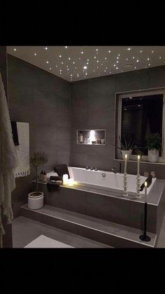 Beautiful master bathroom decor tips. Modern Farmhouse, Rustic Modern, Classic, light and airy bathroom design a few ideas. Bathroom makeover tips and master bathroom remodel suggestions. White Bathroom, Bathroom Interior, Minimal Bathroom, Simple Bathroom, Lavender Bathroom, Bathroom Vintage, Industrial Bathroom, Diy Bathroom Remodel, Bathroom Ideas