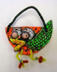 Cassie Stephens: In the Art Room: Kindergarten Clay Birds Ceramics Projects, Clay Projects, Art For Kids, Crafts For Kids, Cassie Stephens, Clay Birds, 6th Grade Art, Art Courses, Kindergarten Art