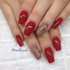 Here is a tutorial for an interesting Christmas nail art Silver glitter on a white background – a very elegant idea to welcome Christmas with style Decoration in a light garland for your Christmas nails Materials and tools needed: base… Continue Reading → Cute Red Nails, Red Gel Nails, Red And Gold Nails, Gold Acrylic Nails, Red Nail Art, Gorgeous Nails, Pretty Nails, Red Glitter Nails, Red Ombre Nails