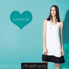 Dica Anasthacia: Esse vestido é perfeito para compor produções únicas e cheias de charme. Que tal arrasar com esse look?http://www.anasthacia.com.br/vestidos/vestido-linha-a #LookDoDia #Dica #Anasthacia #PeB