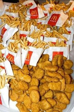 food Chicken Nuggets & French Fries Bring out at so guests can soak. - food Chicken Nuggets & French Fries Bring out at so guests can soak up alcoho… – S - Think Food, I Love Food, Good Food, Yummy Food, Kreative Desserts, Sleepover Food, Junk Food Snacks, Food Dinners, Tumblr Food