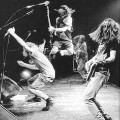 Pearl Jam in motion at Pink Pop, 1992. Web image, source not known as of this pinning. Researching it, however...