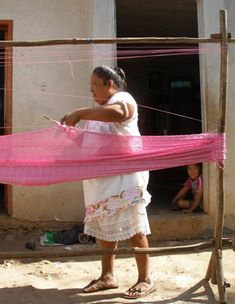 Hand weaving of a Mexican hammock by Mayan woman. More info on how hammocks are made: http://www.stylemexican.com/hammock_how_to.html
