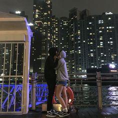 Some pictures of beautiful Asian couples ~ Ane - - Girl Couple, Night Couple, Sweet Couple, Couple Aesthetic, Korean Aesthetic, Ulzzang Couple, Ulzzang Girl, Cute Korean, Korean Girl