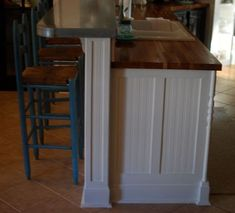 ideas for the ends of the kitchen cabinets The End, Home Decor Inspiration, Kitchen Decor, Kitchen Cabinets, Kitchen Cabinetry, Kitchen Base Cabinets, Dressers