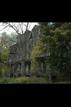 The Walloomsac Inn, creepy and beautiful.