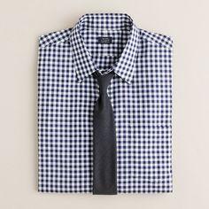 Slim point-collar dress shirt in medium gingham