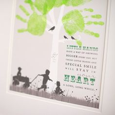 A gift with a lot of thought, Handprint Tree with children's silhouettes, Great for Grandparent #PaperRamma
