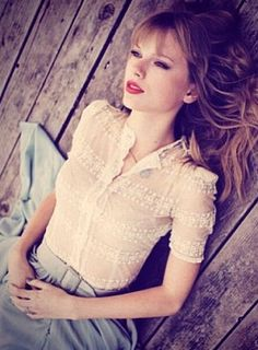 Taylor Swift she looks so serene Taylor Swift Fotos, All About Taylor Swift, Taylor Swift Style, Taylor Alison Swift, Retro Mode, Mode Vintage, Divas, Up Girl, Girl Crushes