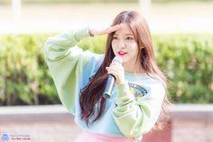 Cute Korean, Korean Outfits, Red Velvet, Hair Makeup, Hairstyle, Photo And Video, Celebrities, Kpop, Artists