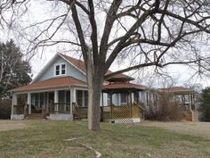 "INVESTORS, BUILDERS, LAKE FOLKS: CLASSIC RENOVATED 1890 FARM HOUSE on almost a City Block of Lots (17 including Lakeview & 1 Lake front) w/private Boat Dock, Kimberling City, Table Rock Lake close to Branson, MO! Never before on market! Lots of newness while retaining much of its history;""NEW"" includes roofing, covered decsk, heating and cooling, ductwork, electric, plumbing, kitchen, bath, many of the windows. All kitchen appliances stay, fully furnished including antiques.(Seller reserves…"