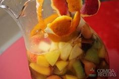 Receita de Ponche de frutas em receitas de bebidas e sucos, veja essa e outras receitas aqui!