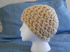 Basic super bulky beanie crochet pattern, free.