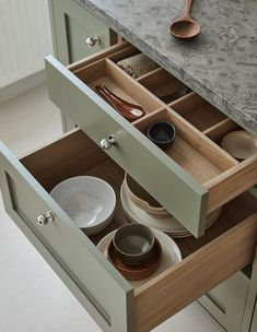 Solid oak drawers in the shaker kitchen and a local Kinnekulle limestone Swedish Kitchen, Nordic Kitchen, Wooden Kitchen, Beautiful Kitchens, Cool Kitchens, Timeless Kitchen, Wooden Drawers, Best Kitchen Designs, Shaker Kitchen