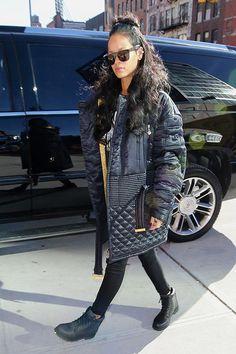 24 Ideas for style rihanna swag hair Rihanna Swag, Mode Rihanna, Rihanna Outfits, Rihanna Photos, Rihanna Style, Rihanna Fenty, Rihanna Fashion, Rihanna Casual, Looks Rihanna
