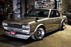 72' Nissan Skyline - too good.