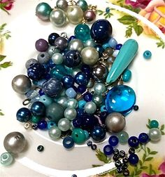 Vintage blue bead mix   mixed lot  drw425  jewelry by pinksupply, $3.45
