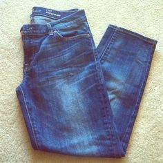 7 for all mankind skinny crop Excellent condition, looks brand new. Soft denim crop. 7 for all Mankind Jeans Ankle & Cropped