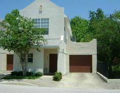 4713 JENNINGS BAY CT  TAMPA, FLORIDA 33611        2 Bedrooms, 2 Bathrooms  1 Partial Baths  1261 Square Ft.