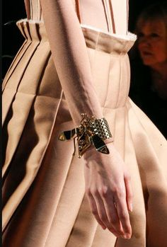 Zoom Details - Lanvin Fall 2013 #RTW