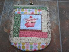 Mi primer bolso de patchwork con boquilla hecho a mano
