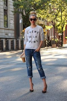 Now THIS is how you do jeans and sweatshirt. & with an iced coffee in hand, obviously.