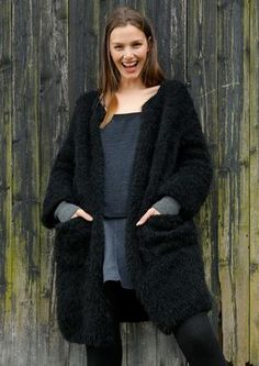 Rebecca knitting pattern and yarn: A fluffy coat with a generous cut in ggh Lavella, a gorgeous wool-Alpaca blend Alpaca, wool, nylon). Available as Rebecca Knit Kit in AU sizes Light yet warm and soft. Knitting Kits, Knitting Yarn, Knitting Patterns, Wool Shop, Yarn Shop, Fluffy Coat, Maxi Cardigan, Sock Yarn, Crochet Clothes