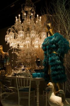 printemps christmas window - i'd take a peek!