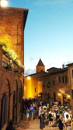 Mercantia 2016 in Certaldo Alto (Tuscany) - Ph.Lausol #mercantia #mercantia2016 #certaldo #certaldoalto