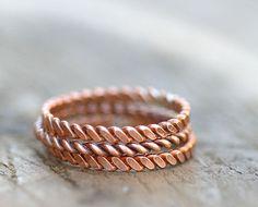 Twisted copper stacking rings E0266 van monkeysalwayslook op Etsy