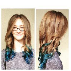 #blueombre #funhaircolor #summerhair #canvasbeautybar #canvasboone #bluehair #ombre #siermueller #yoursinstyle #makingbeautysocial